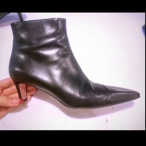 Vintage Escada classic ankle booties  size 38.5